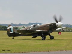 Spitfire_MkXIX_F-AZJS_in_flight_12.jpg