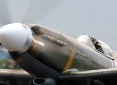 Spitfire_MkXIX_F-AZJS_in_flight_8.jpg