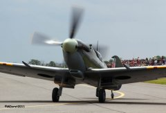 Spitfire_taxiing1.jpg