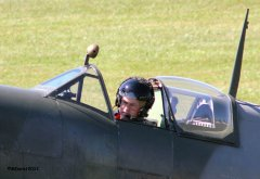 Spitfire_TE184_Griffith_2011-09-031.jpg