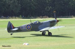 Spitfire_TE184_Griffith_2011-09-037.jpg